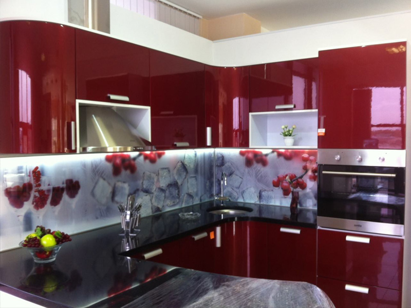 Красим фасады кухни