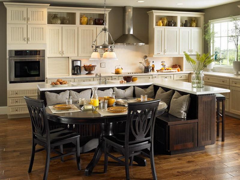 Дизайн кухонь со столом
