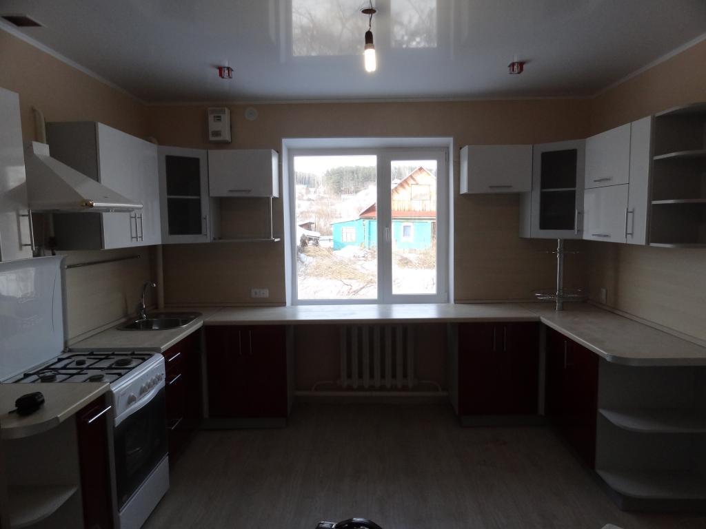 Дизайн кухни буквой п с окном