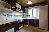 Кухонный гарнитур№229 пластик/белый/коричневый. Цена: 42100 руб.