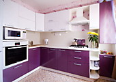 Кухонный гарнитур №227 пластик/глянец/белый/сирень. Цена: 65400 руб.