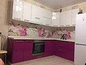 Кухонный гарнитур № 211 МДФ/глянец/белый/малиновый. Цена: 58700 руб.
