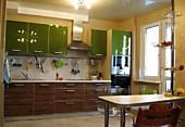 Кухонный гарнитур №218 пластик/глянец/Зебрано/Фисташковый. Цена: 48600 руб.
